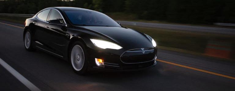 Chauffeur prive VTC avec Tesla sur Paris